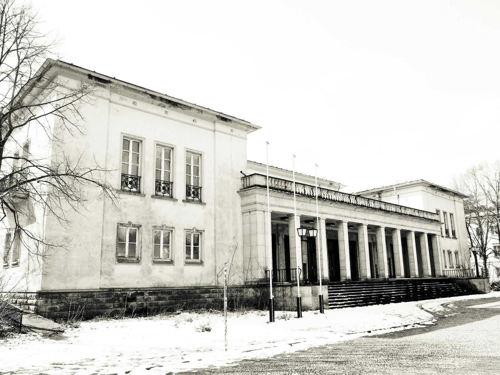 das ehemalige Kulturhaus auf dem Campus Bogensee