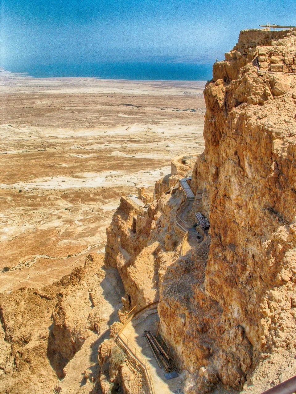 Israel Tipps Route: antike Festung Massada über dem Toten Meer