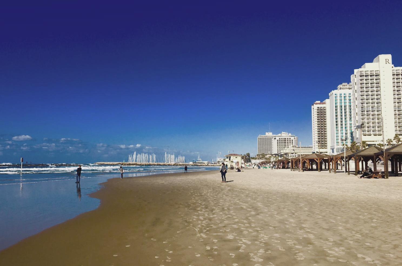 Tel Aviv der Strand im Dezember