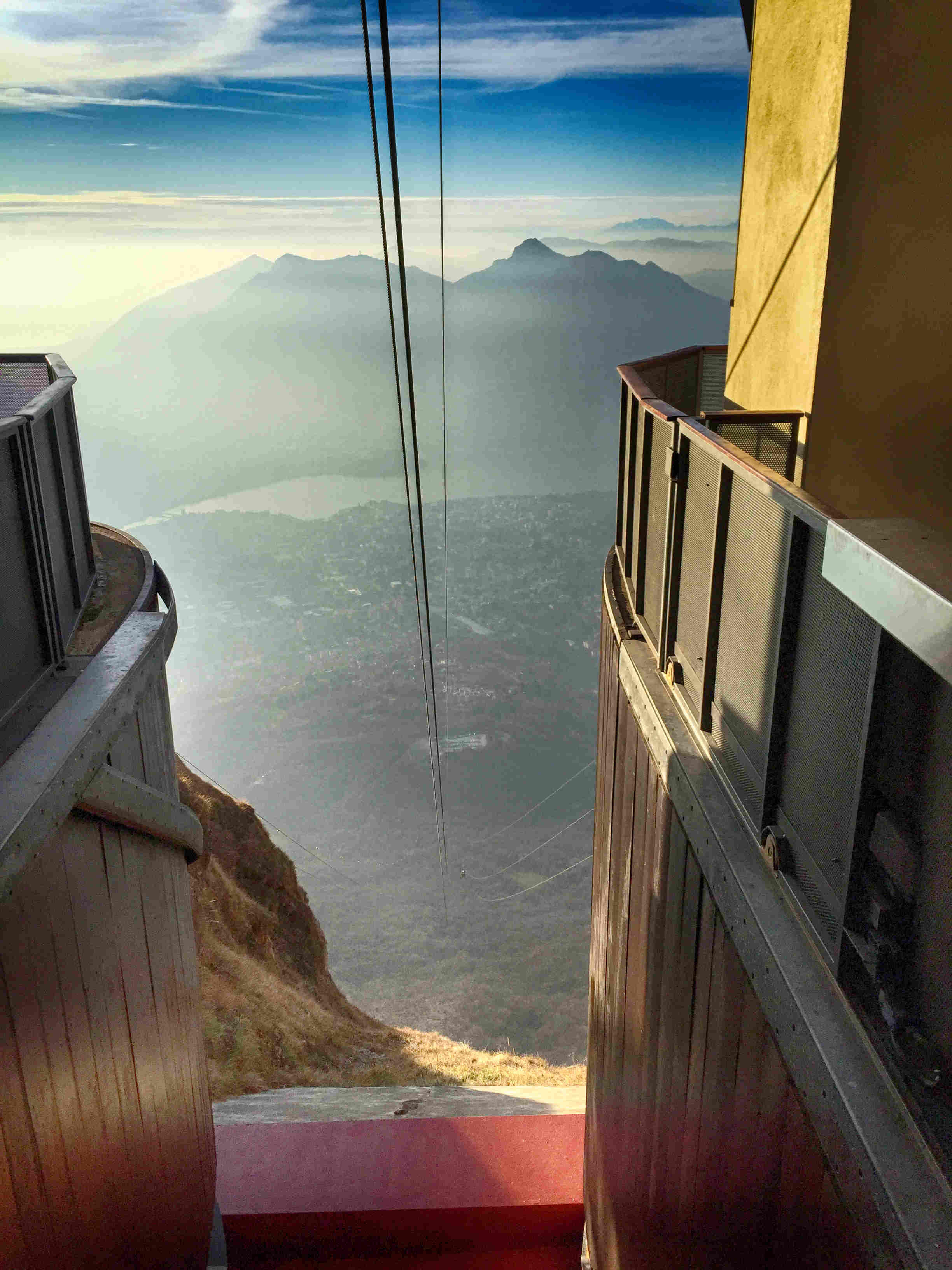 Comer See Wandern Tipps: Die Seilbahn zum Pizzo d`Erna über Lecco
