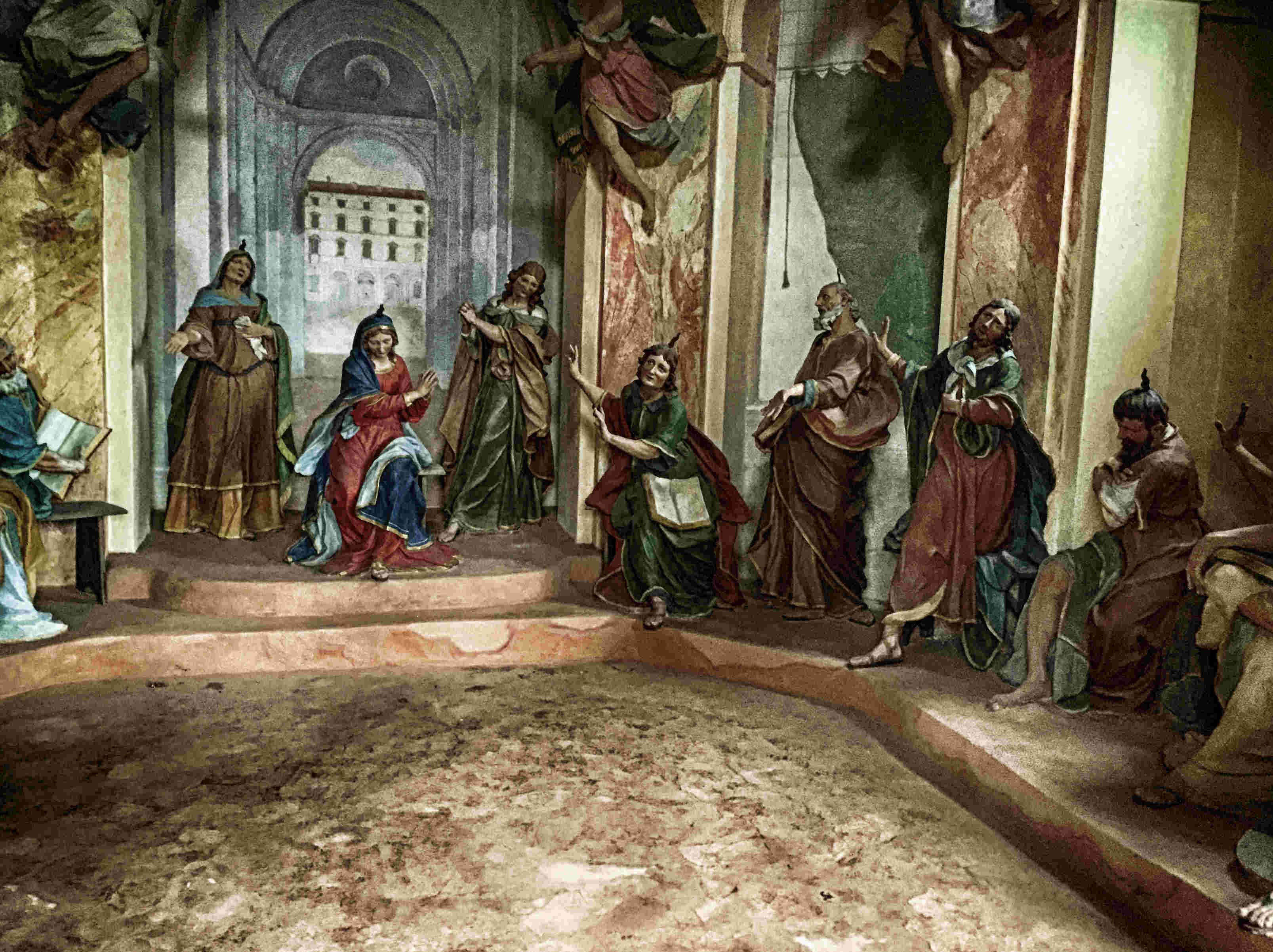 lebensgroße Figuren in den Kapellen von S. Maria del Soccorso