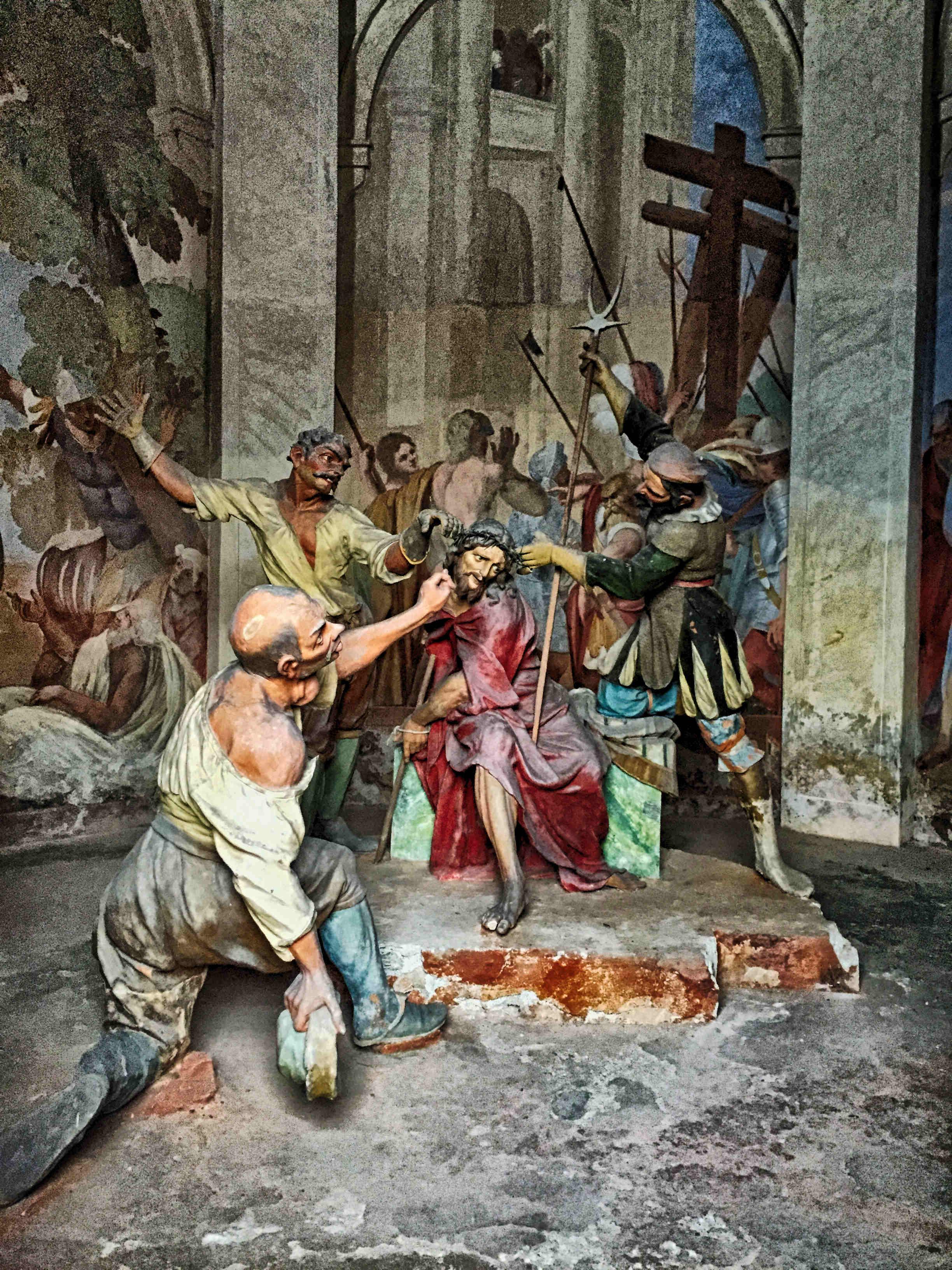 Comer See im Winter Tipps: Lebensechte biblische Szenen an der Wallfahrtskirche