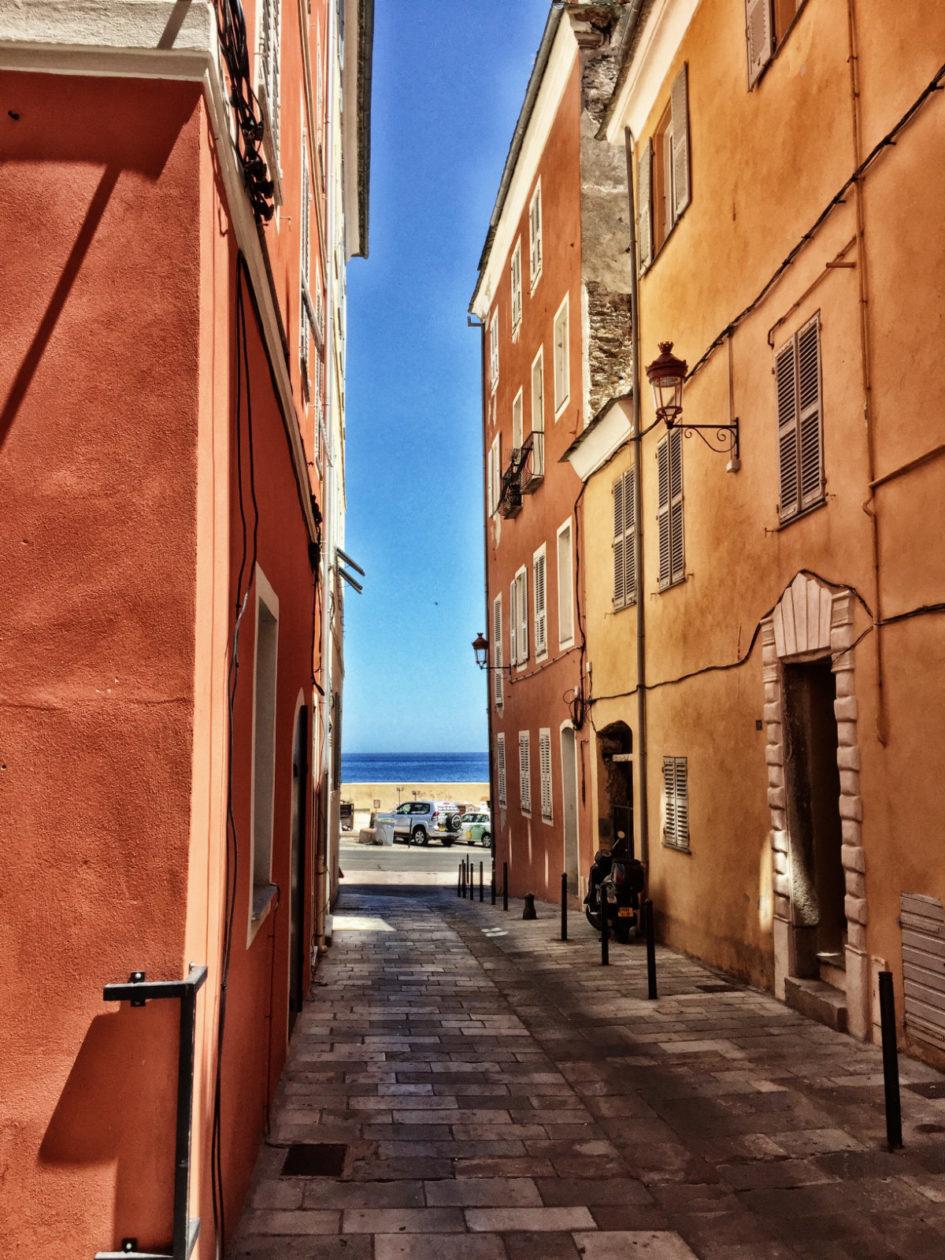 Korsika Reisetipps: der alte Hafen von Bastia