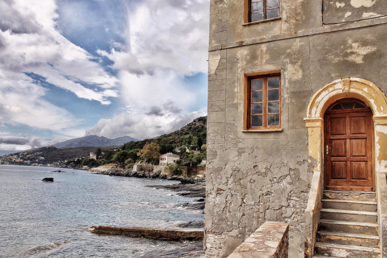 Korsika: Erbalunga, eines der zahlreichen uralten Dörfer auf dem Cap Corse
