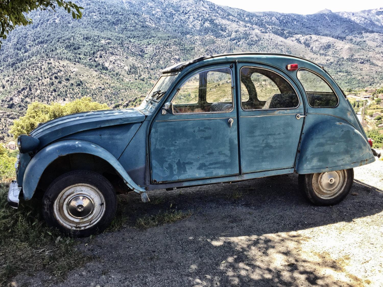 Korsika Reisebericht - alter Citroen immer noch in Schuss