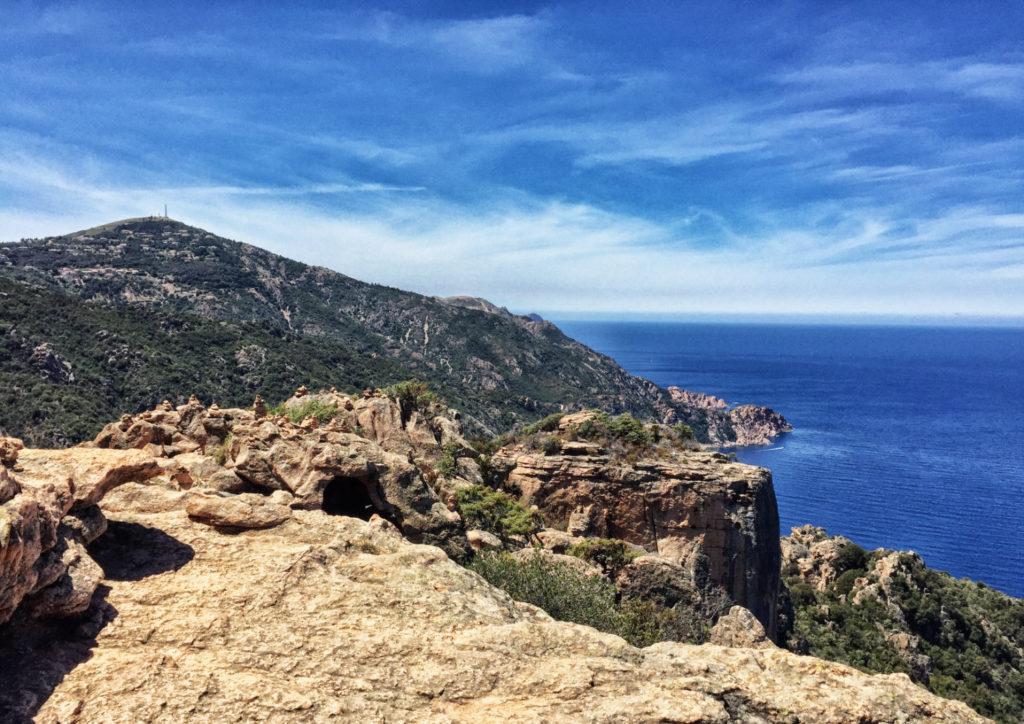 Eine der schönsten Wandergebiete Kosikas: das rote Felsenmeer der Calanches