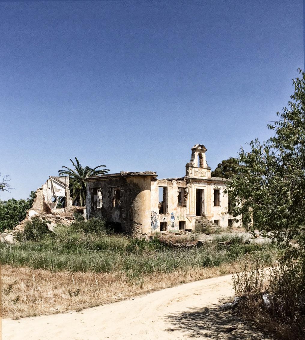 Ronda - Die Die Ruinen der Villa Apolo haben eine traurige Geschichte