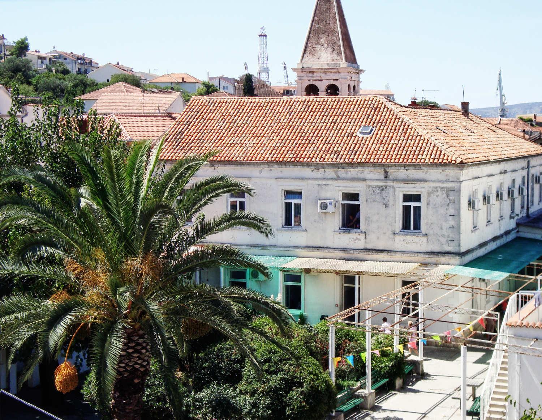 Die örtliche Nervenheilanstalt von Trogir in Dalmatien