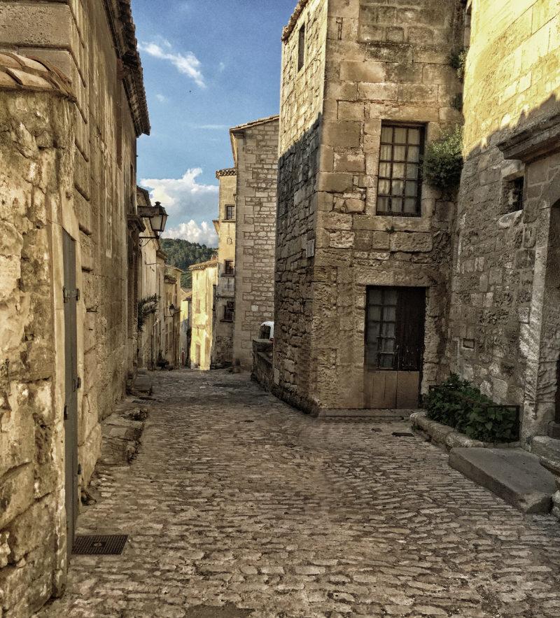 Luberon: Gassen von Baux de Provence