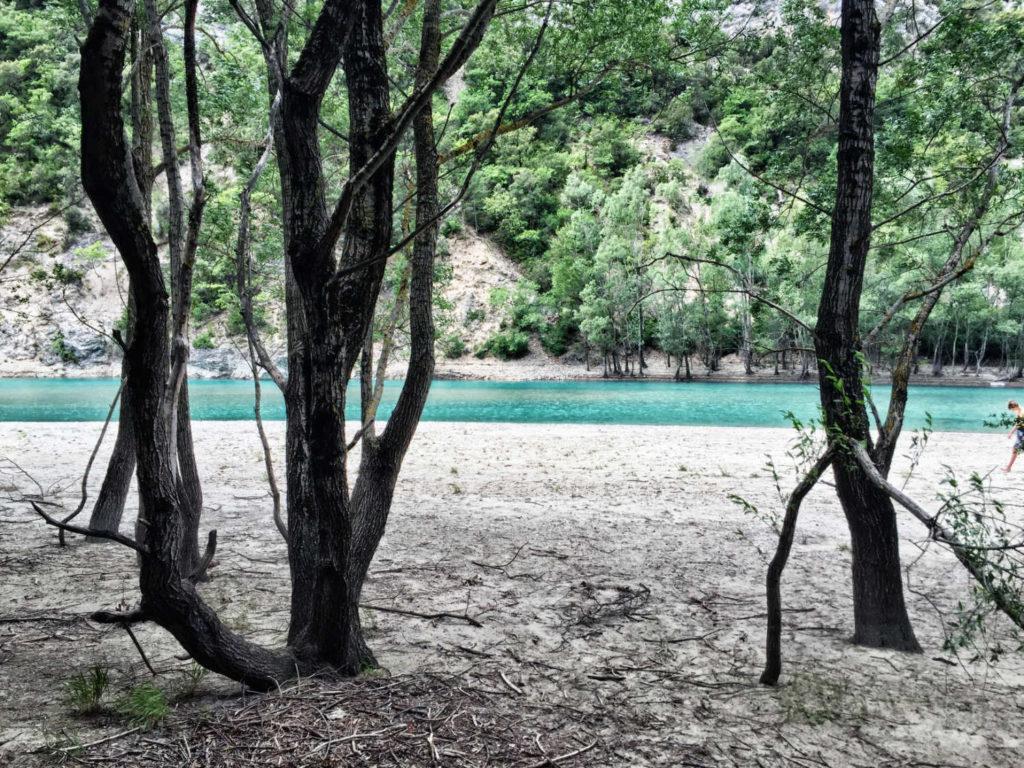 wandern-sued-frankreich-verdon-schlucht-strand